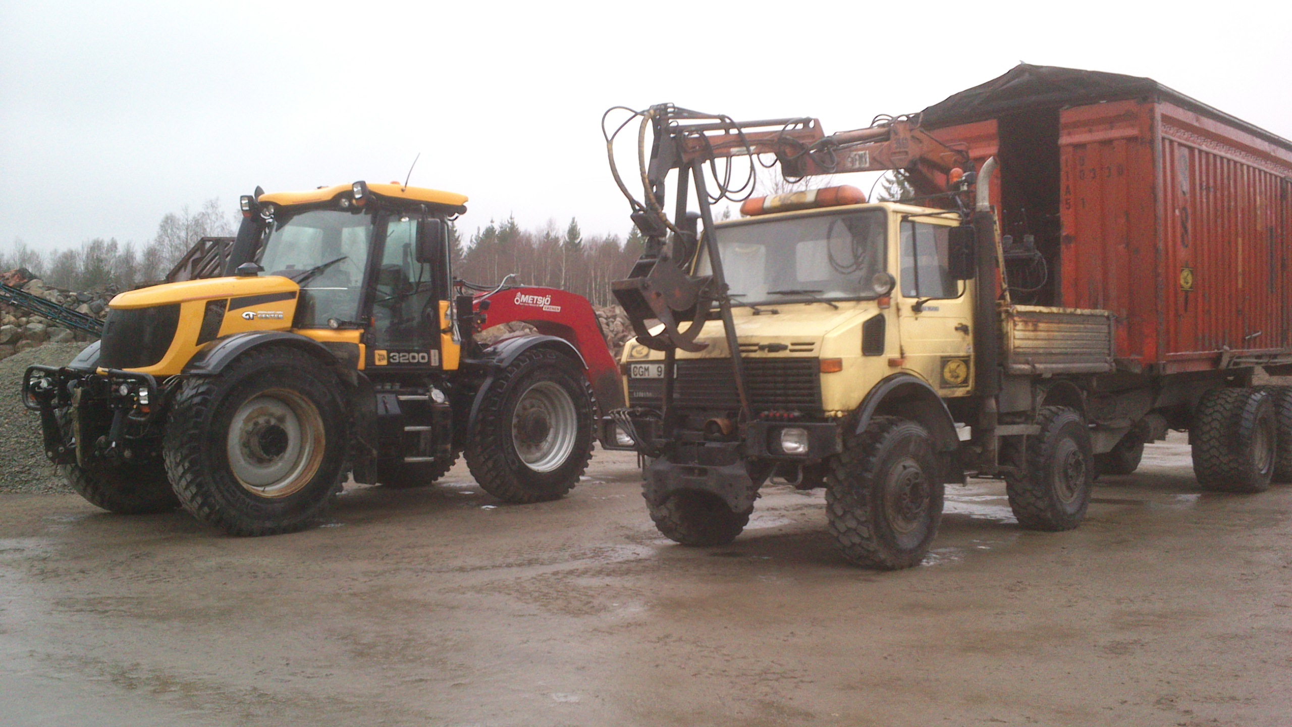 JCB-Fastrac-och-Unimog-U1600