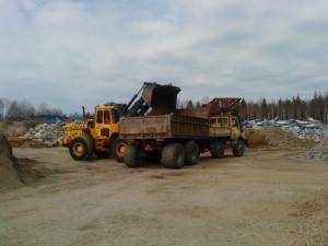 Volvo L90 och Unimog U1600, Lastning och transport